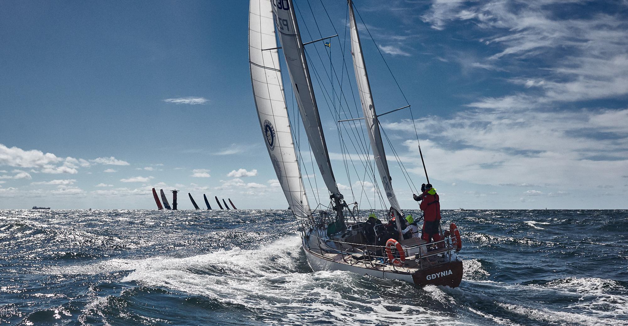 Copernicus na starcie The Legend Race. Goteborg, Szwecja, 21 czerwca 2018 r. W tle jachty uczestniczące w 13 edycji regat Volvo Ocean Race. fot. Robert Hajduk